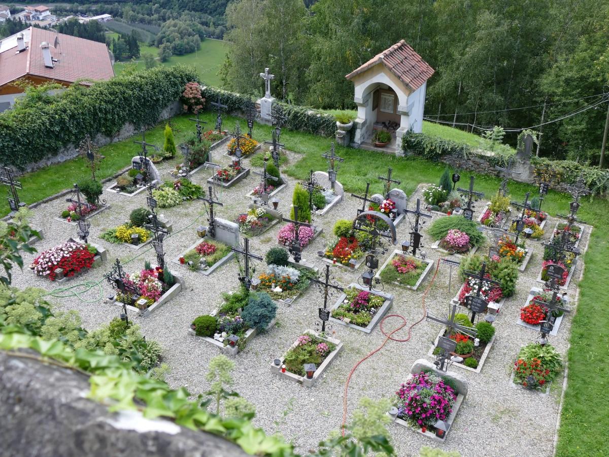 Erdbestattung in Peuerbach